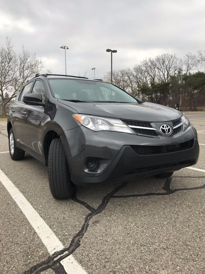 2015 Toyota RAV4 LE 2015 TOYOTA RAV4 AWD LE..ONE OWNER CARFAX HISTORY..11,800 MILES..EXTRA CLEAN
