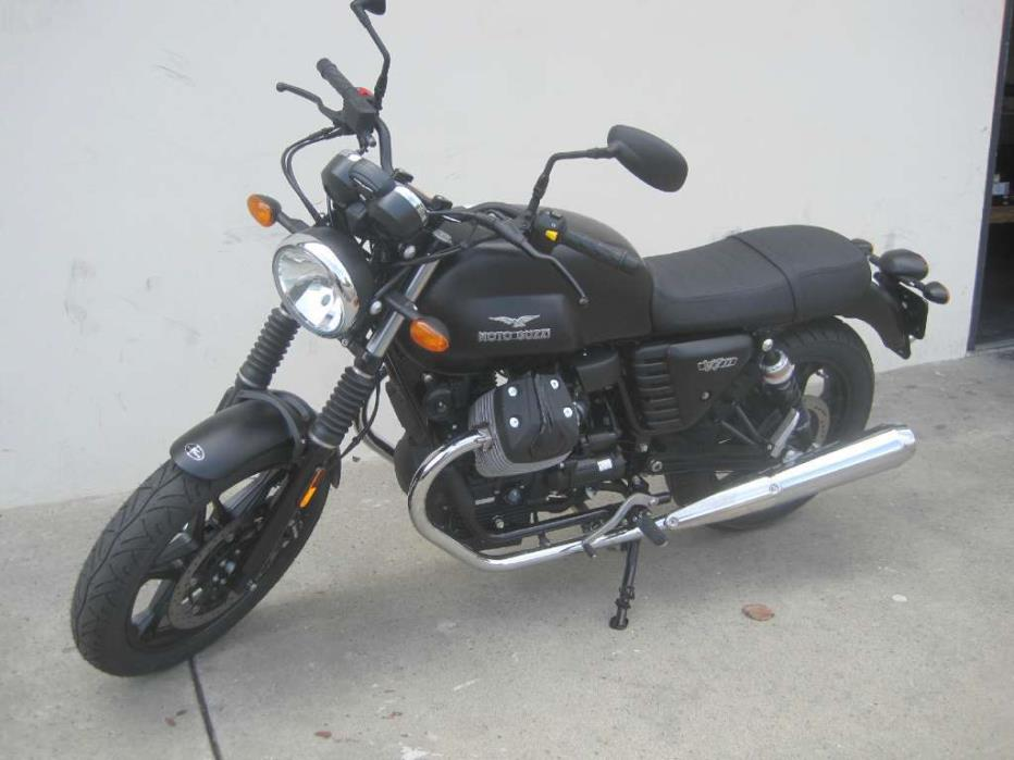 moto guzzi v7 ii stone abs nero ruvido motorcycles for sale. Black Bedroom Furniture Sets. Home Design Ideas