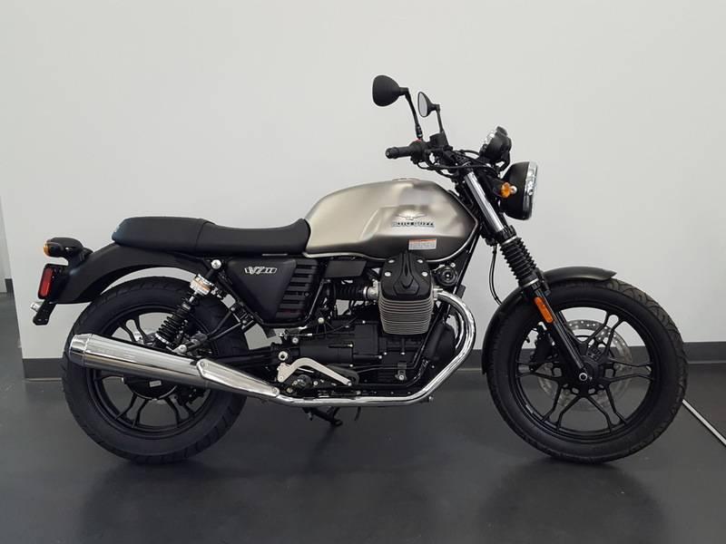 2016 Moto Guzzi V7 II Stone