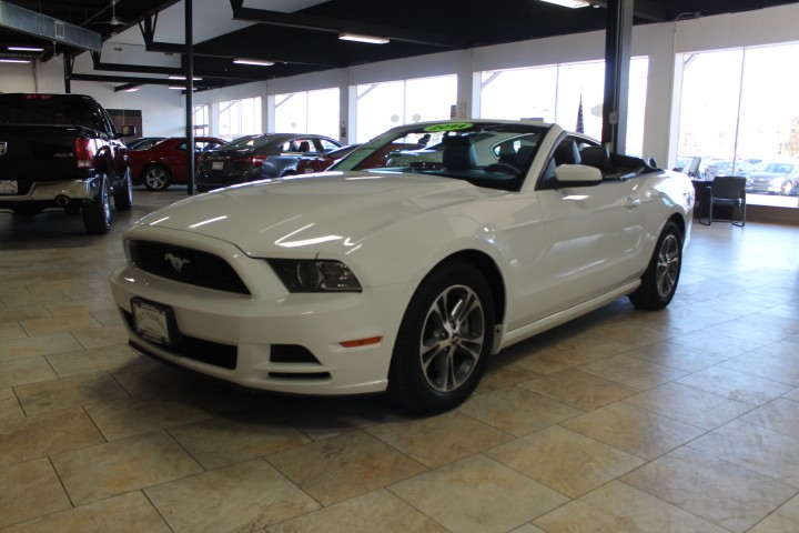 2014 Ford Mustang V6/CONVERTIBLE