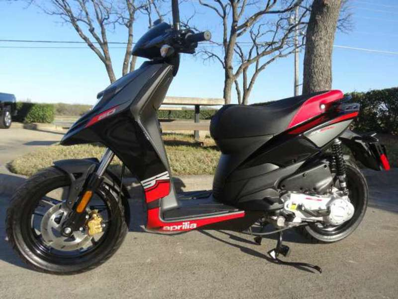 aprilia sr motard 50 motorcycles for sale. Black Bedroom Furniture Sets. Home Design Ideas