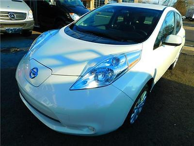2015 Nissan Leaf S 2015 Nissan LEAF S 18,450 Miles White PEARL 4dr Car Electric!
