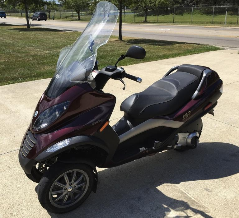 piaggio mp3 250 motorcycles for sale in columbus ohio. Black Bedroom Furniture Sets. Home Design Ideas