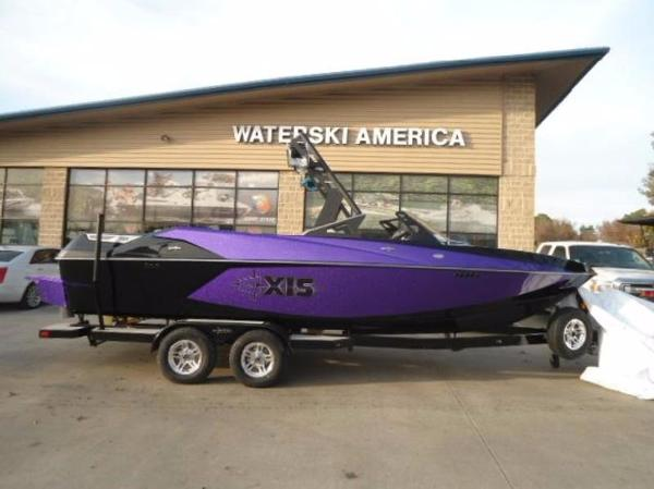 2017 Axis Wake Research Core Series T23