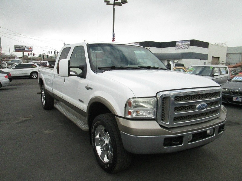 2006 Ford Super Duty F-250 Crew Cab LONG BED!! 156 XL 4WD KING RANCH