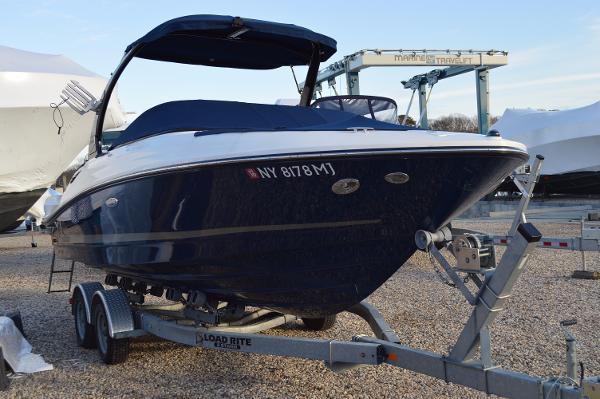 2013 Sea Ray 230 SLX