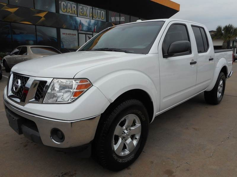 2011 Nissan Frontier SV V6 4x2 4dr Crew Cab SWB Pickup 5A