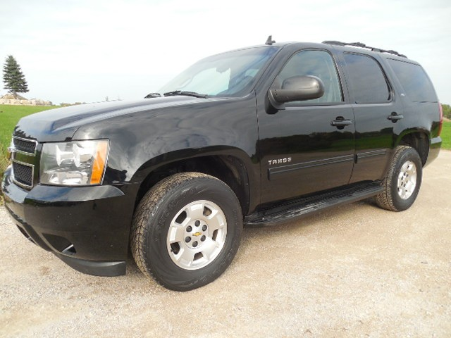 2011 CHEVROLET TAHOE LT 5.3L FLEX FUEL 4WD BLACK LEATHER BOSE 2ND ROW BENCH RUST FREE SOUTHERN