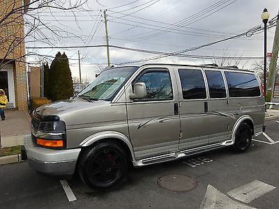 2004 Chevrolet Express AWD LOW TOP CONVERSION VAN WITH LEATHER CHEVY EXPRESS EXPLORER LOW TOP CONVERSION VAN ALL WHEEL DRIVE 18 IN RIMS MINT