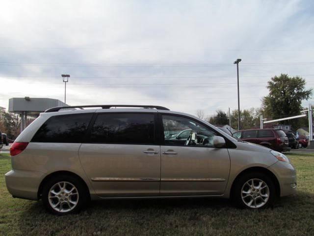 2006 Toyota Sienna XLE Limited 7 Passenger 4dr Mini Van