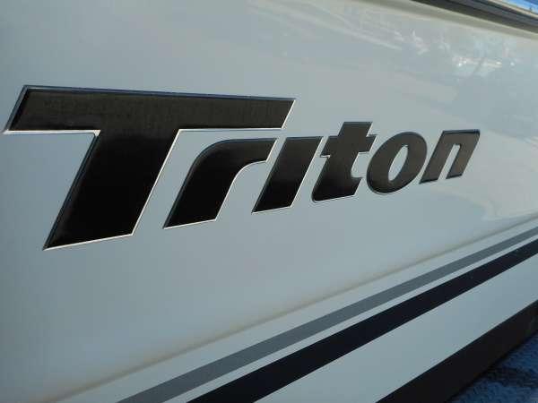 2003 TRITON BOATS 2690 WA