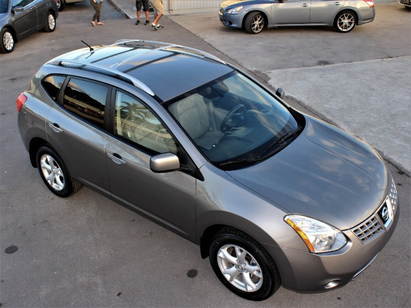 2010 Nissan Rogue S - Like New Condition! ( Only 39K Miles! )