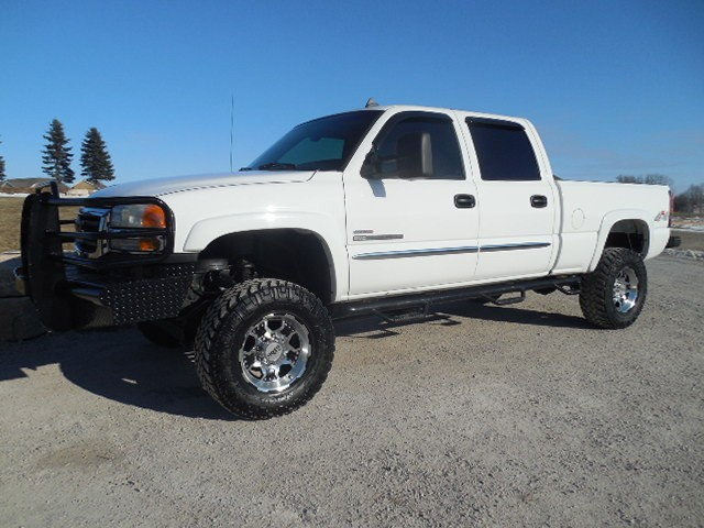 2006 GMC 2500HD CREW SLE DURAMAX 4WD LIFTED BUMPERS