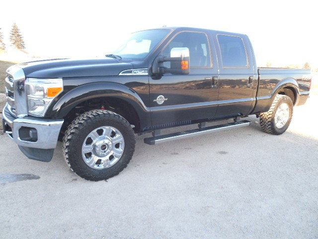 2013 FORD F250 CREW LARIAT FX4 SHORT DIESEL 4WD MOON NAV HEATED/COOL