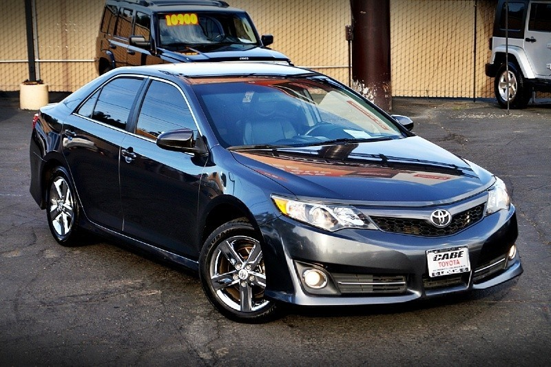 2012 Toyota Camry SE ONE OWNER IN IMMACULATE SHAPE.NEW YEAR SPECIAL FREE 3 YEARS WARRANTY.ONLY TILL