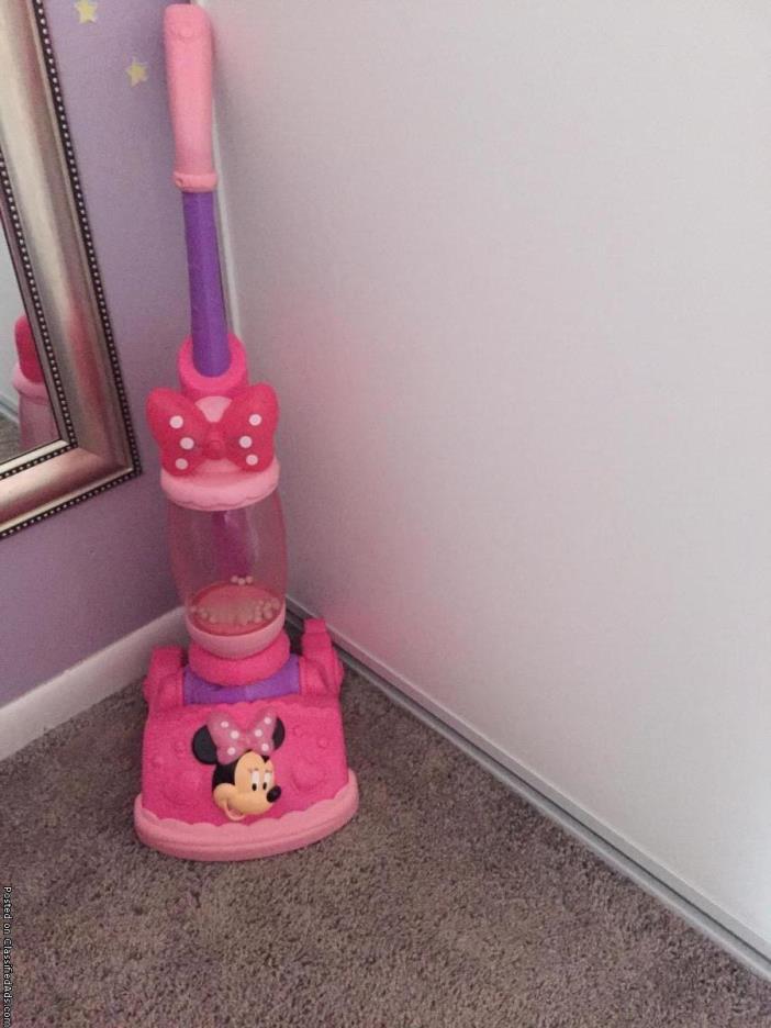Minnie Mouse vacuum