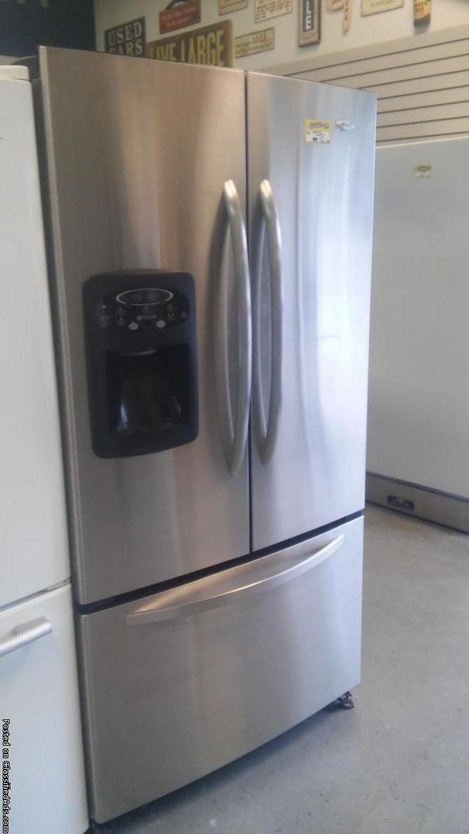 MAYTAG STAINLESS FRENCHDOOR FRIDGE