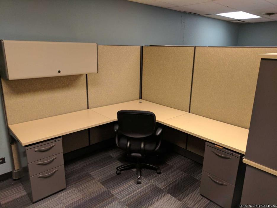 CUB-045 - Tan - 7x7 Herman Miller AO2 Cubicles
