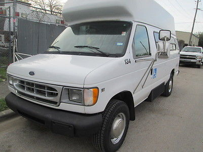 2000 Ford E-Series Van WHEEL CHAIR/HANDICAP VAN 2000 FORD E350  WHEEL CHAIR/HANDICAP VAN V8 5.4L VERY LOW MILES