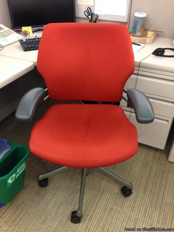 ETH-055 Humanscale Freedom Chairs (As-Is)