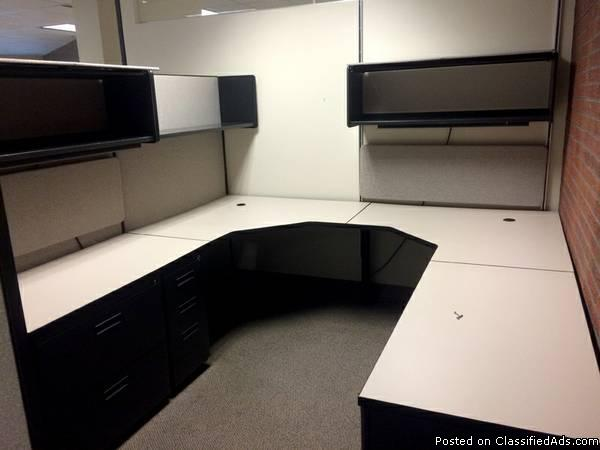 CUB-042 Gray/Glass - 6'x 8' and 6'x 6' Herman Miller AO2 Cubicles