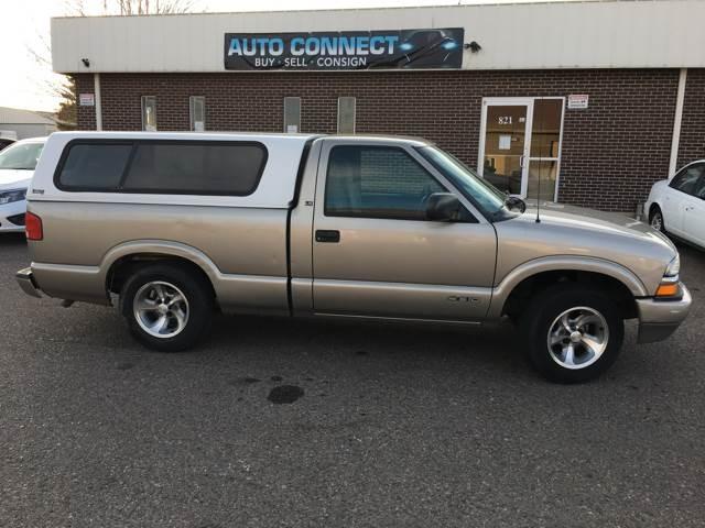 2000 Chevrolet S-10 LS 2dr Standard Cab SB