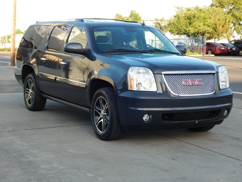 2008 Yukon XL Denali AWD 2.9% Interest Rate O.A.C.
