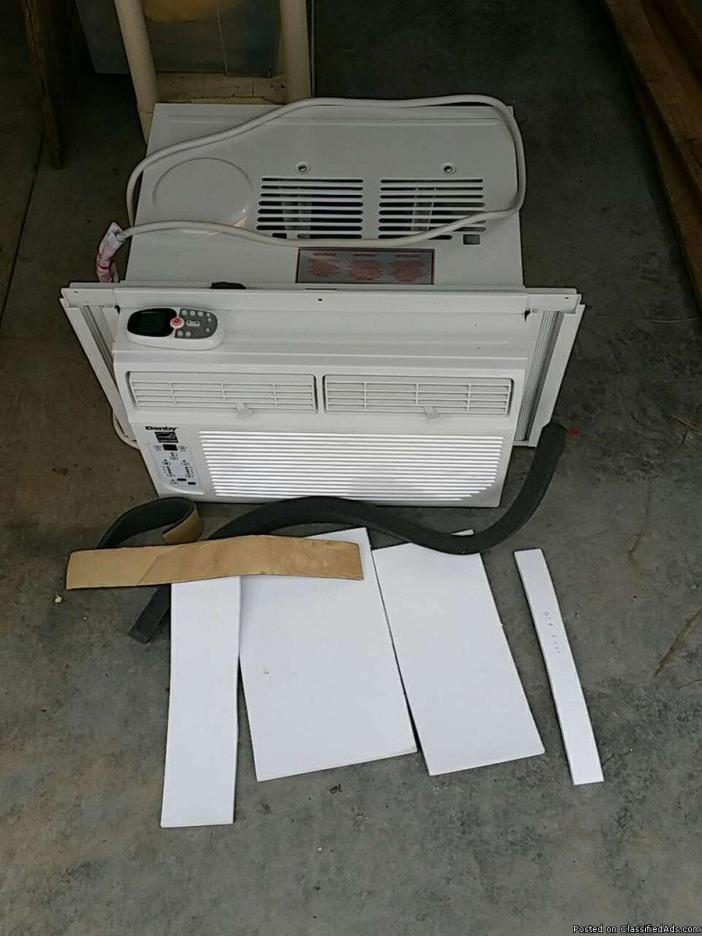 Air Conditioning Unit (New) used one week (window), 2
