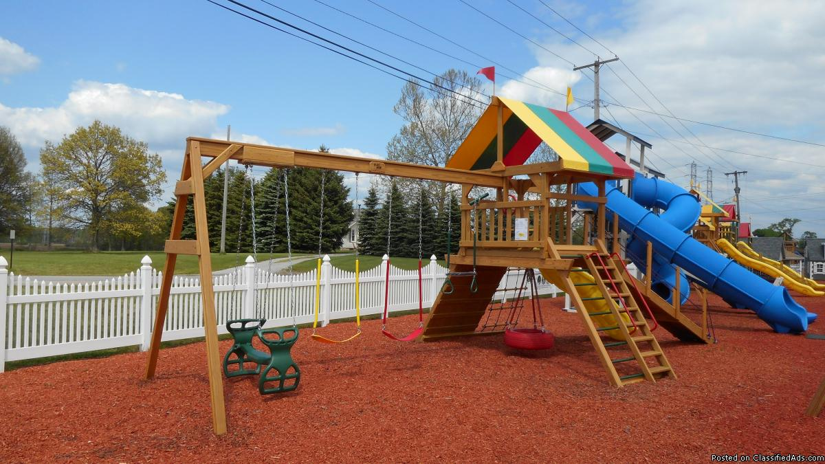 Wood Playset - Scenic Pointe #211