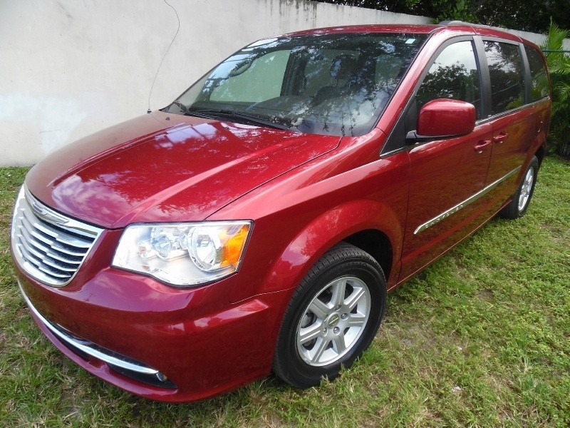 2011 Chrysler TOWN & COUNTRY STOW AND GO