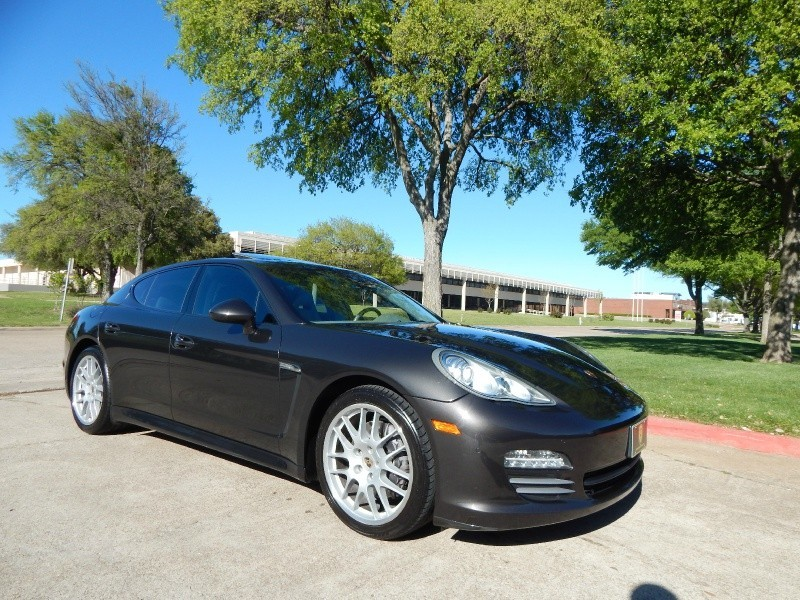 2011 Porsche Panamera 4 HB NAVIGATION/ BACKUP CAM/ WARRANTY/ IMMACULATE/ FINANCING