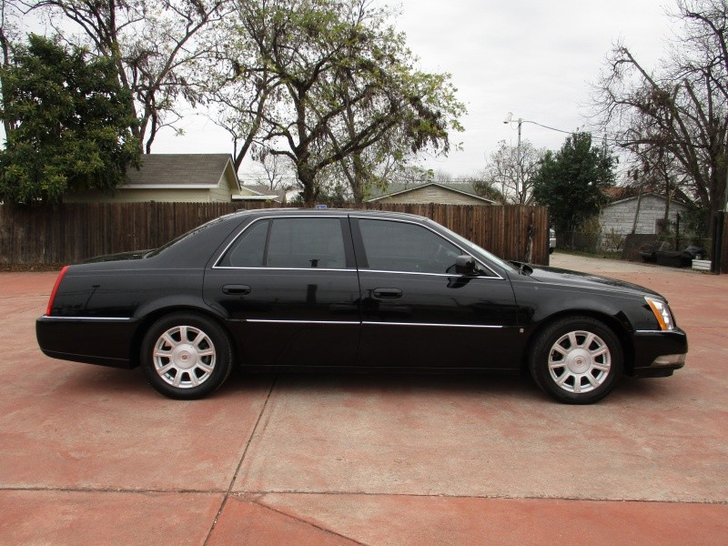 2008 Cadillac DTS * Low Mileage * Like new * $7950