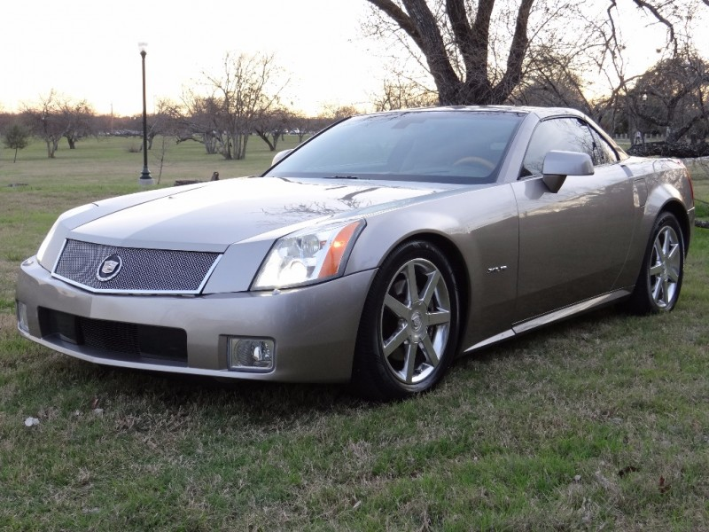 2004 Cadillac XLR Hardtop Convertible Low Miles