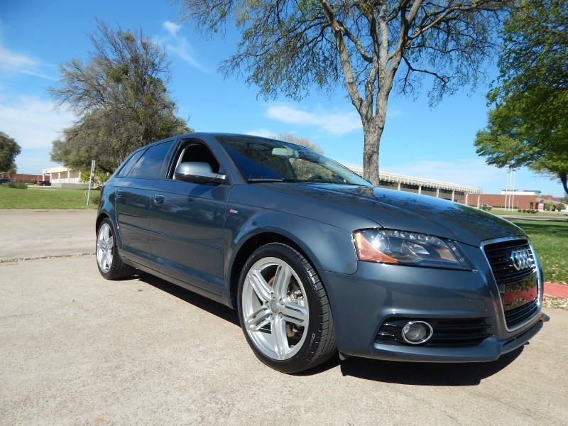 2012 Audi A3 4dr HB S tronic Premium Plus LEATHER/ WARRANTY/ FINANCING