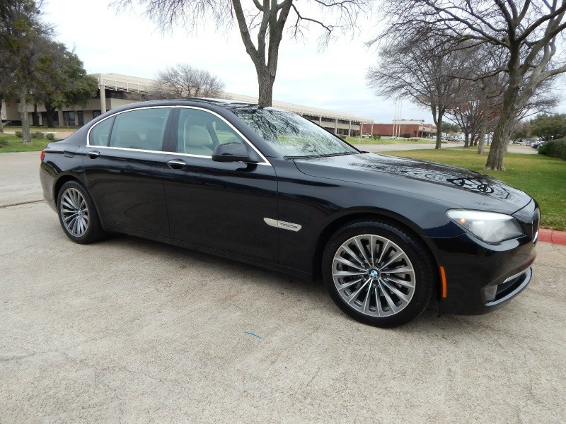 2011 BMW 740Li NAVIGATION/ BACKUP CAM/ WEATHER PKG/ WARRANTY/ FINANCING