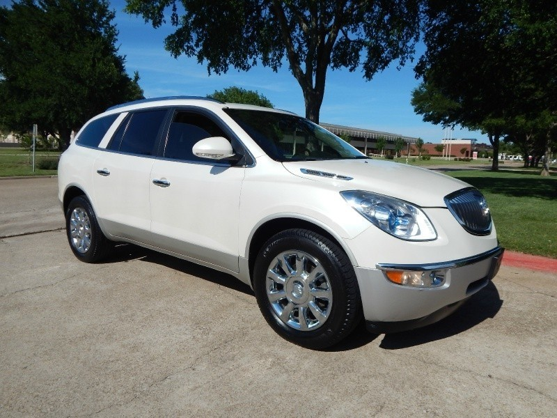 2011 Buick Enclave CXL-1 LEATHER/ BACKUP CAM/ CHROME WHEELS/ 3RD ROW/ FINANCING