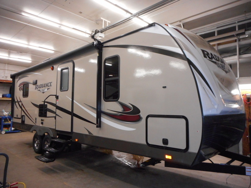 2017 Cruiser Rv Radiance Ultra Lite R-26RL
