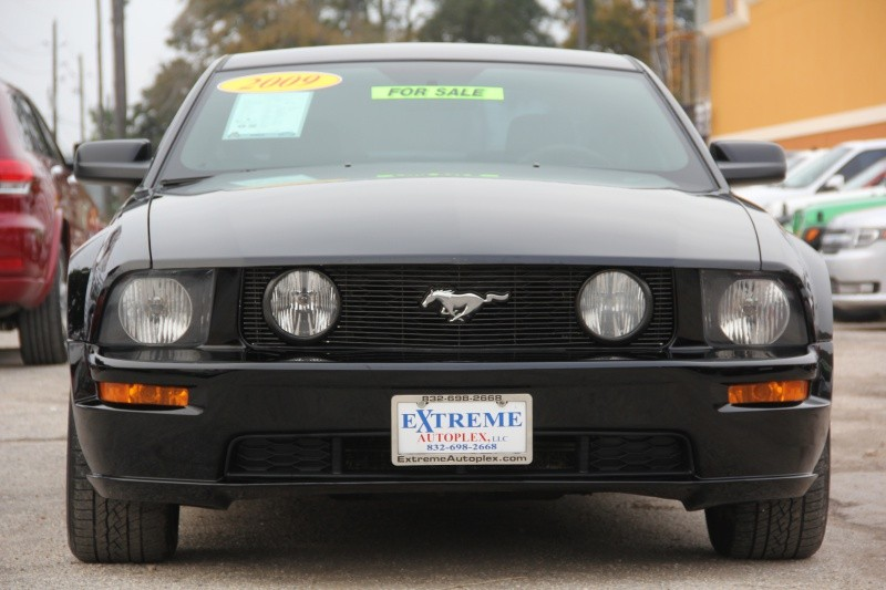 2009 Ford Mustang GT Coupe 5-Speed V8 WE FINANCE