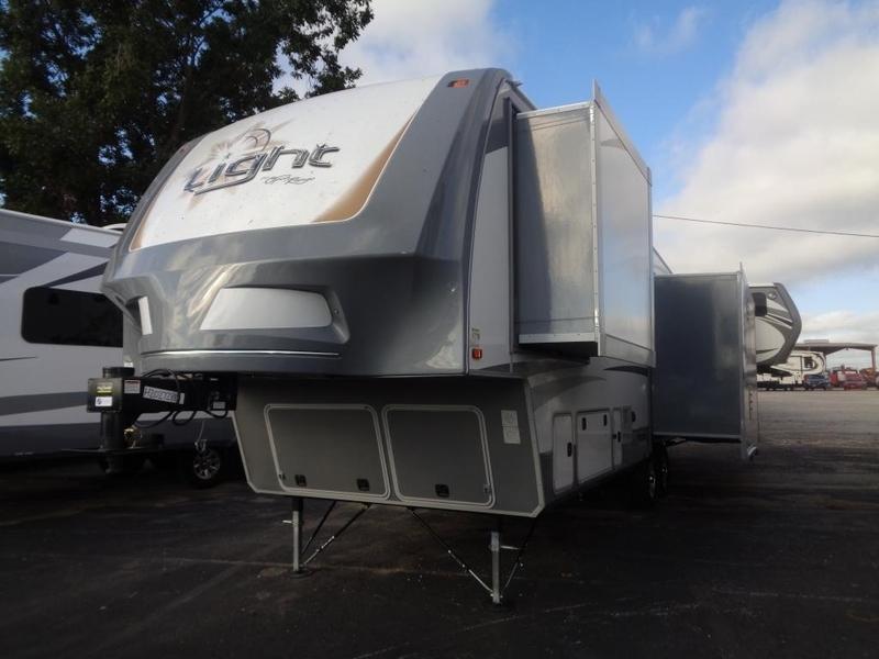 2017 Open Range Rv Light Fifth Wheel LF319RLS