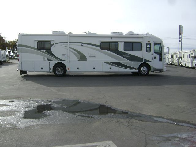 2001 American Tradition Fleetwood RV 40 TQS
