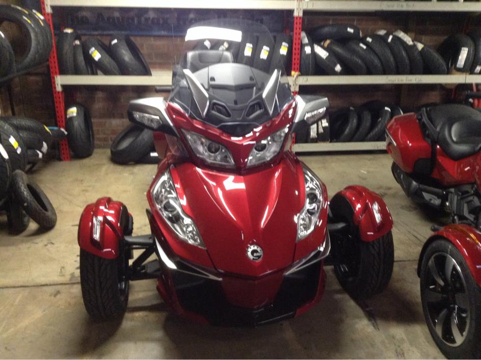 2016 Can-Am Spyder RT-S SM6 - Intense Red Pearl