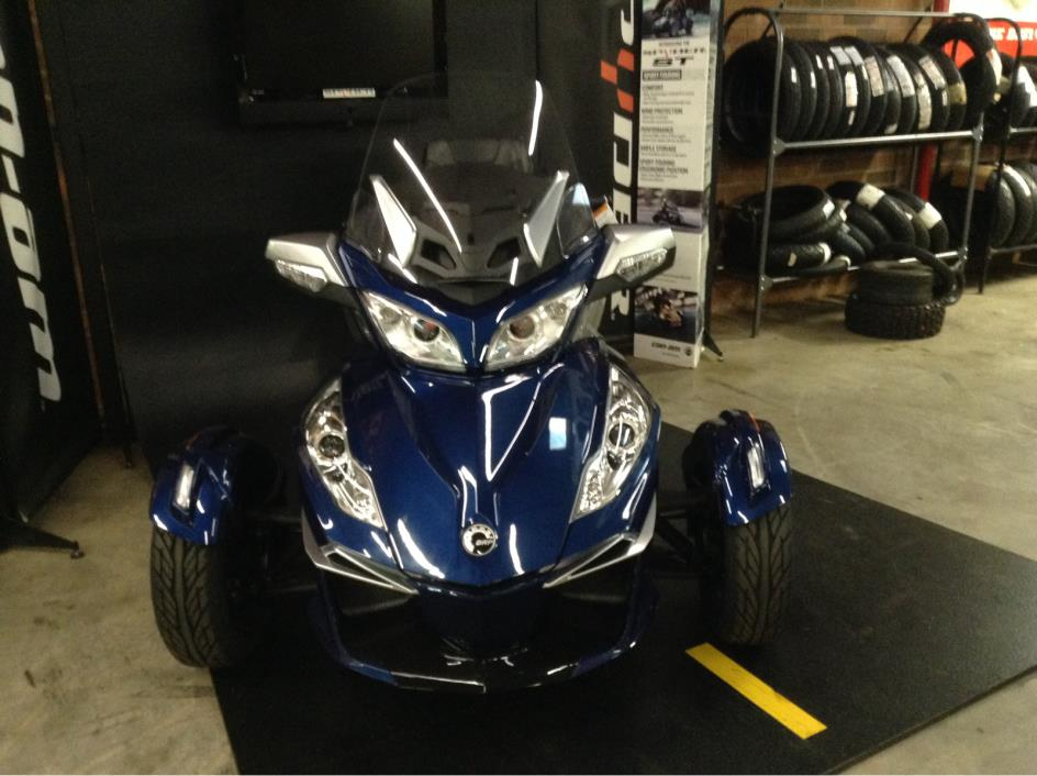 2016 Can-Am Spyder RT-S SM6 - Orbital Blue