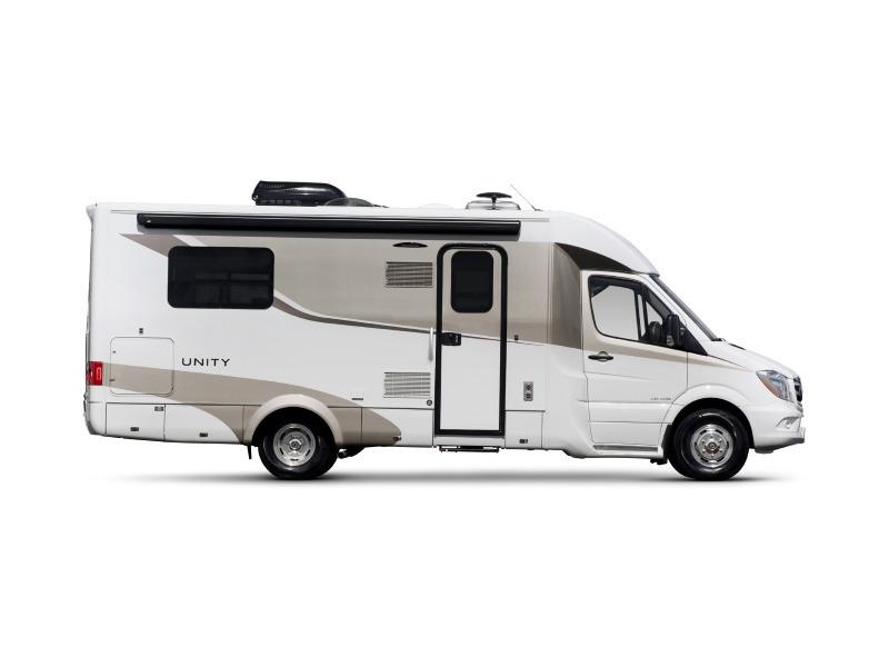 2017 Leisure Travel Vans Unity U24IB