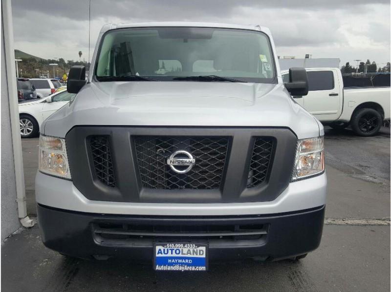 2013 Nissan NV3500-HD-Cargo S Van 3D