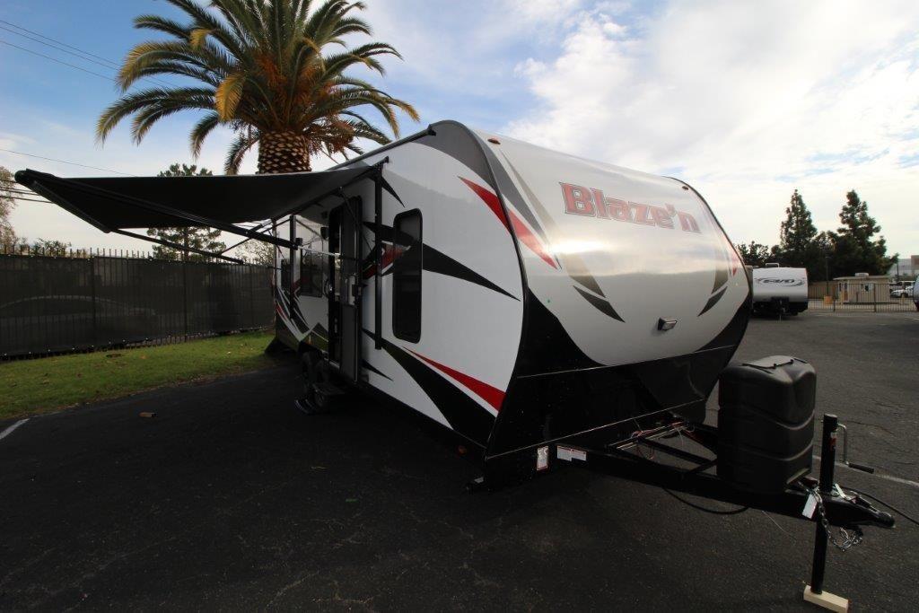 2017 Pacific Coachworks Blazen 22FS