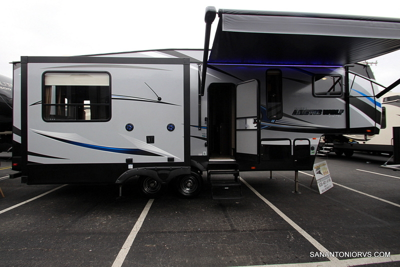 Forest River Cherokee Arctic Wolf 285drl Rvs For Sale