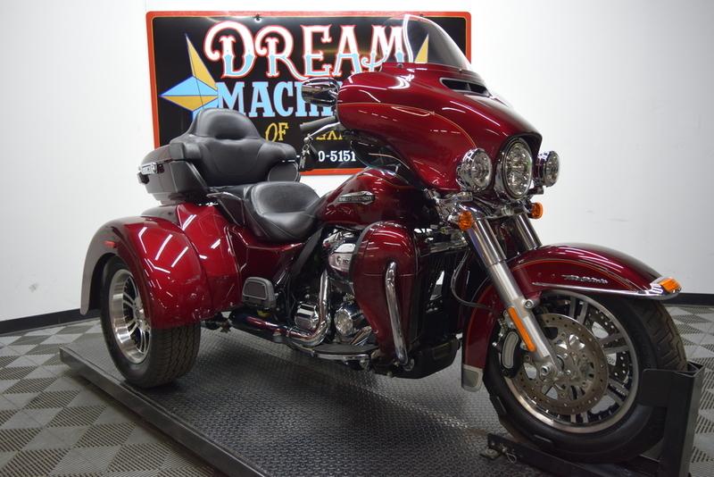 2017 Harley-Davidson FLHTCUTG - Tri Glide Ultra Classic Trike