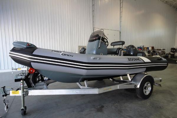 2017 Zodiac Pro Open 550 NEO 90hp In Stock