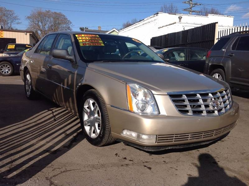 2006 Cadillac DTS Luxury III 4dr Sedan