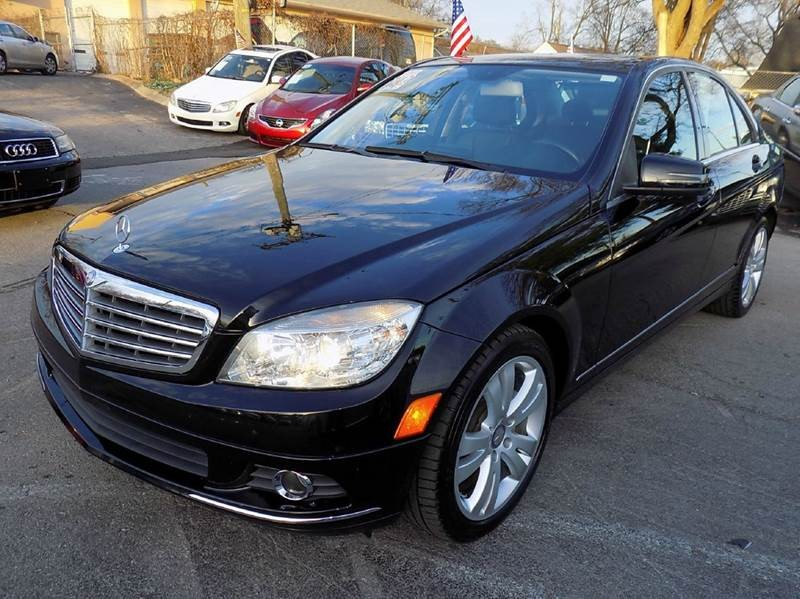 2011 Mercedes-Benz C-Class C 300 Luxury 4dr Sedan